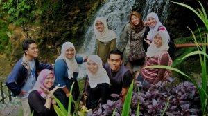 lan, nadya, paris, mid, tm, fisha, nolee, me and nisha.