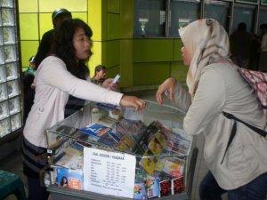 Urusan jual beli pertama di Jakarta